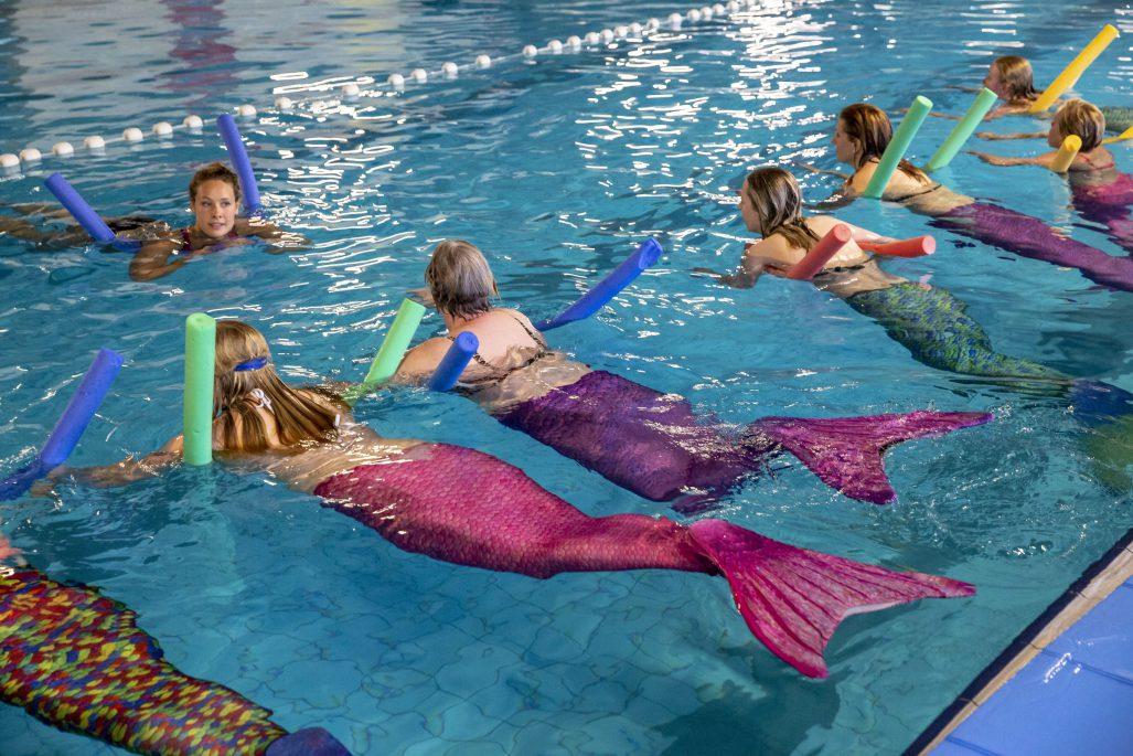 Haren, zwembad Scharlakenhof 20180523. Les zeemeermin aerobics